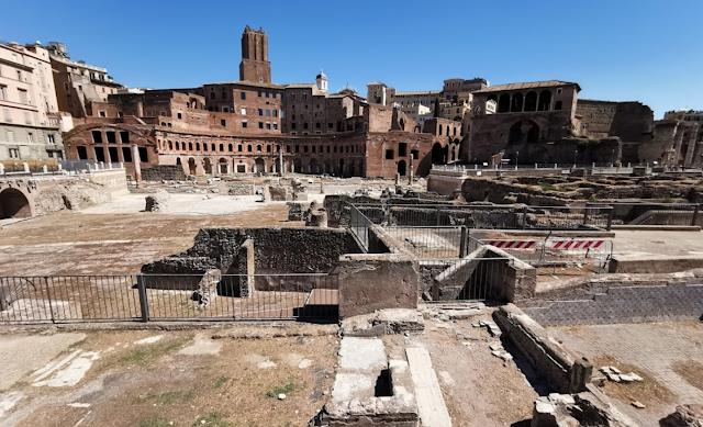 Roma Forum kalıntıları
