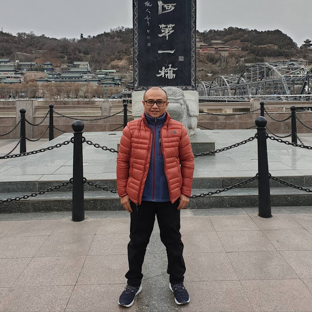 pengusaha azzam datang ke uighur