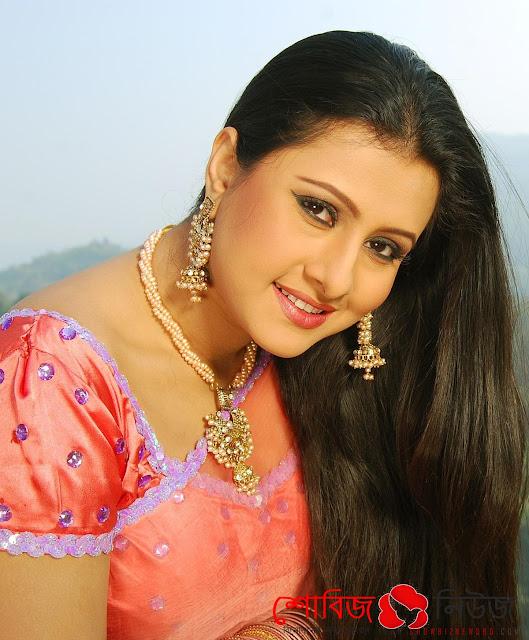 জাতীয় চলচ্চিত্র পুরস্কার ২০১৫ উপস্থাপক Purnima and Chanchal Chowdhury