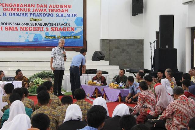 Kunjungan Gubernur Jateng Dalam Rangka Pembinaan Kepada Sekolah SLTA Dan Perwakilan Rohis Se Kab. Sragen