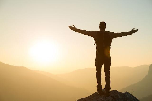 لماذا الأشخاص الواثقون بأنفسهم هم أيضا الأكثر سعادة