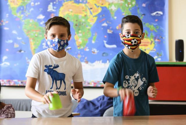 ΣΥΡΙΖΑ: Τα σχολεία να ανοίξουν με ασφάλεια, με τις ζωές των παιδιών μας δεν παίζουμε!