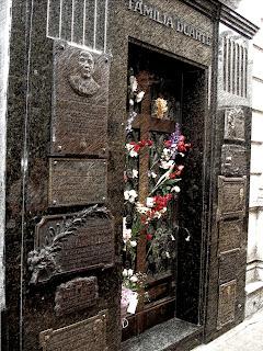 Jazigo da Família Duarte, no Cemitério da Recoleta, Buenos Aires