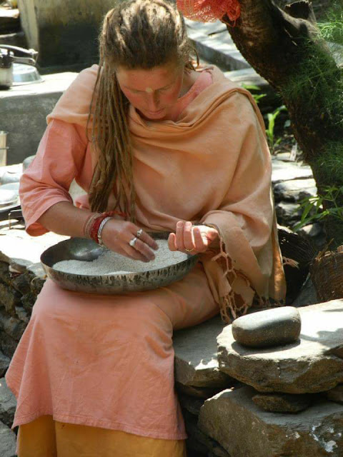 How a rich girl from Germany came to India and became SARASWATI MAI,new delhi cables