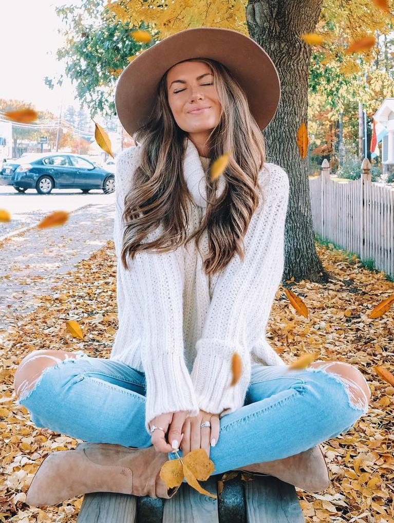 cozy outfit / beige hat + white sweater + jeans + boots