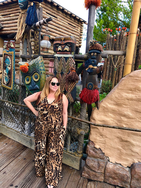 #BoundtoParkHop, Instagram photo challenge, clothing challenge, Disneyland, Disney bounding, Disney bounds, Jamie Allison Sanders, favorite land, Adventureland, Coldesina, leopard print, jumpsuit, Nuuly