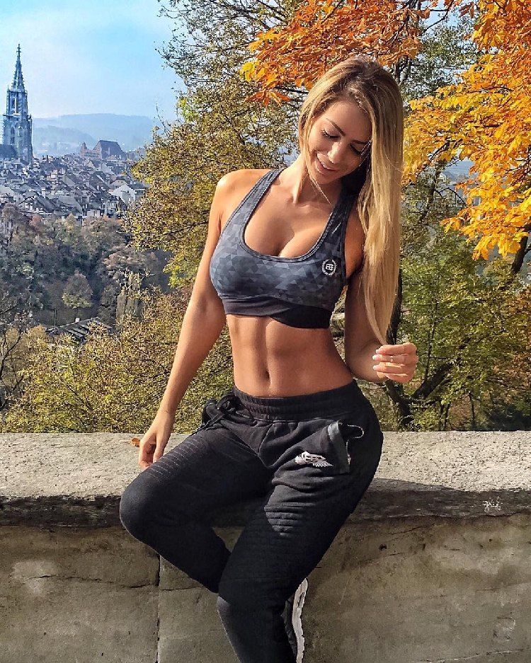 yanita yancheva survivor Fitness Model