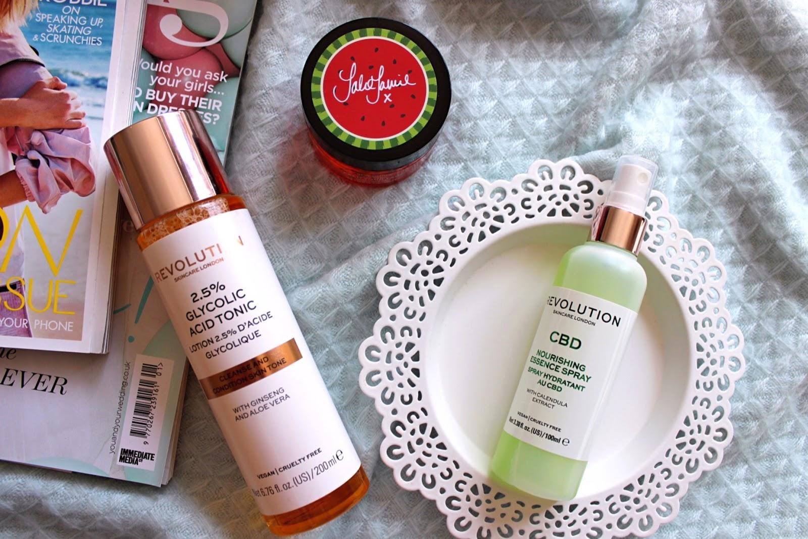 продукти за лице на Revolution Skincare