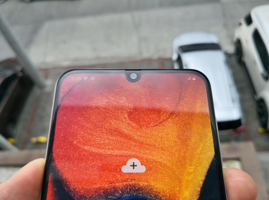 Samsung Galaxy A50 Review - Front Camera