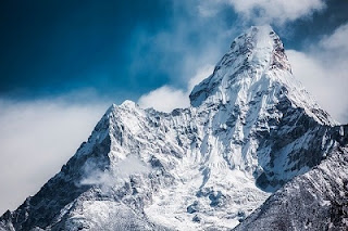 Mountain quotes in Hindi