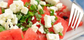 Duas saladas deliciosas com melancia para perder peso