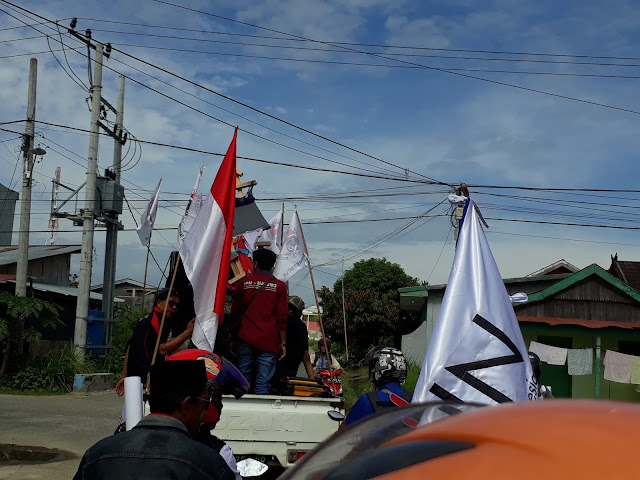 Aksi Demonstrasi Awas