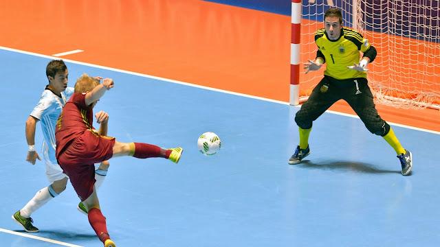 Bahaya Olahraga Futsal Malam Hari