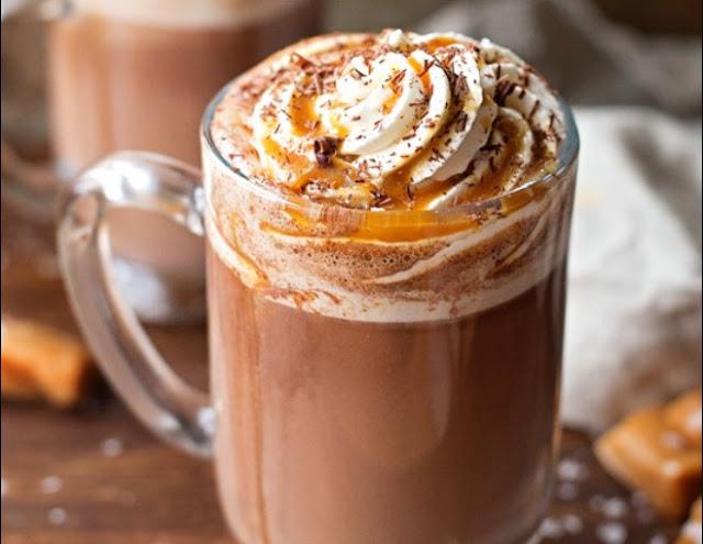 Salted Caramel Hot Chocolate #drinks #chocolate