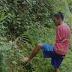 Viral!! Video Pria Tanpa Lengan Mencari Rumput