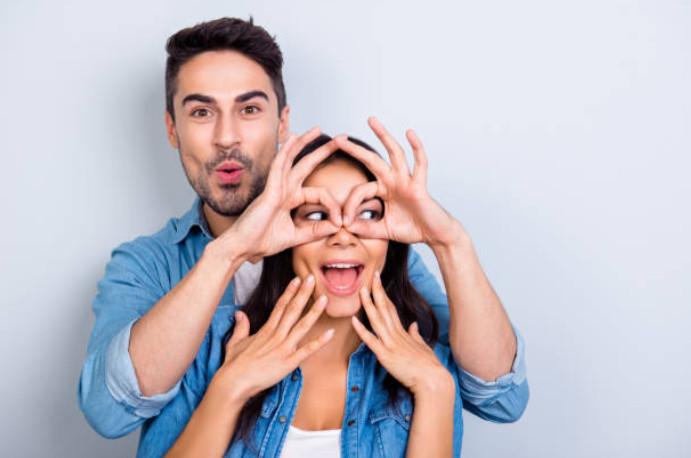 Cara Membuat Orang Jatuh Cinta dengan Tatapan Mata