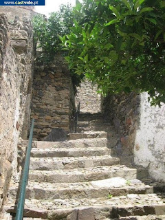 Travessa do Pé da Torre de Castelo de Vide, Portugal (Crossing)