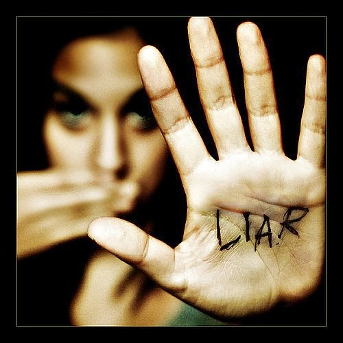 Top 10 Lies Women Tell Men (MUST READ)