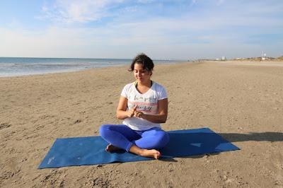 Mona Villacres Yoga ®