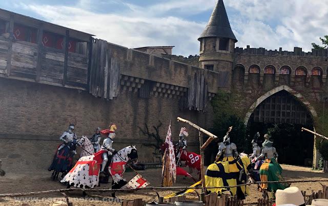 Espectáculo del secreto de la lanza en el Puy du Fou | www.caravaneros.com