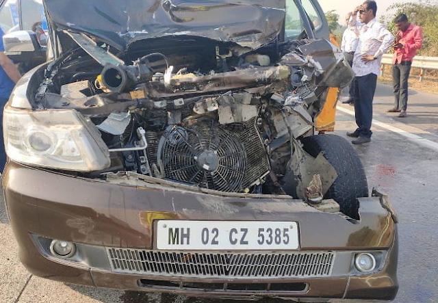 Shabana Azmi,Javed Akhtar Wife,car,Shabana Azmi Car Accident,Shabana Azmi Car Accident News,accident,Mumbai-Pune Expressway,accident,Khalapur, ,ShabanaAzmi,Shabana Azmi Car Accident News , Javed Akhtar Wife, Shabana Azmi Car Accident, Shabana Azmi Car Accident News