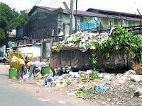 SPBU Tolak Dinas Pertamanan dan Kebersihan, Sampah Menumpuk di Medan