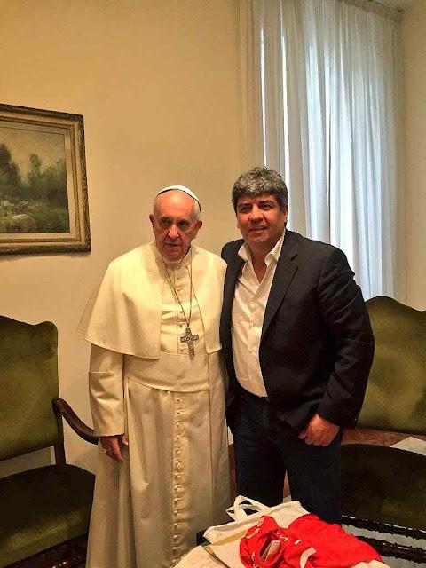 Representante e filho do líder esquerdista Hugo Moyano recebido pelo Papa Francisco