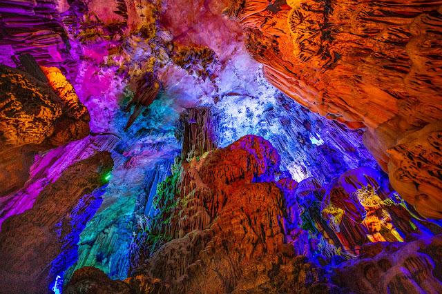 22. Cueva de Flautas de Caña