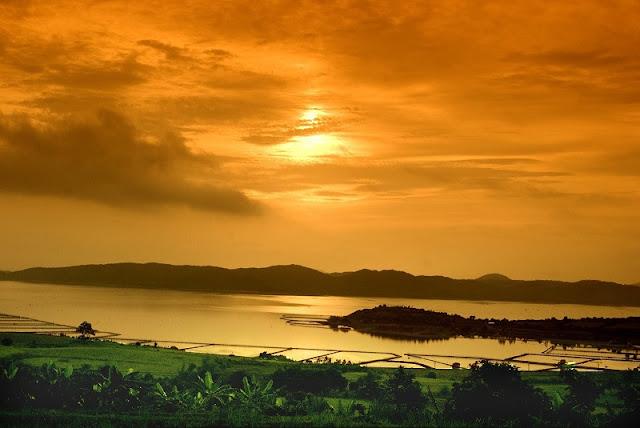 Enjoy outdoor lagoon in Vietnam 2