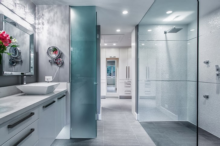 Modern bathroom in Contemporary home by Trevor Euley in Canada