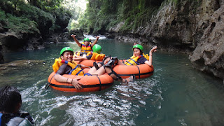 river tubing green canyon pangandaran