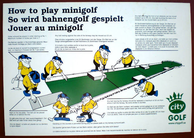 How to play minigolf - in three languages