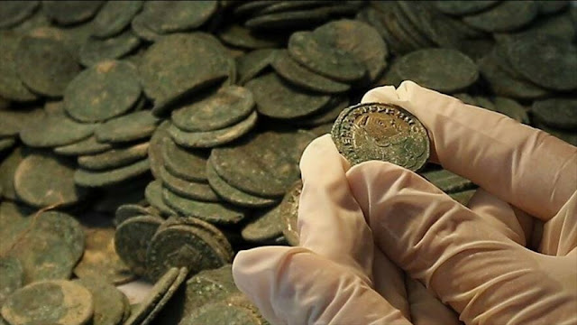 Arqueólogos encuentran moneda de época de Jesús en Palestina
