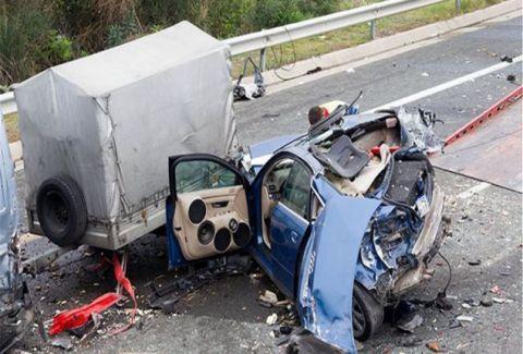 Φρικτό τροχαίο στην Θεσσαλονίκη με εννέα τραυματίες! Οι δύο σε κρίσιμη κατάσταση...
