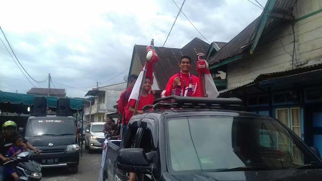 Paten Bah, Saroha Lumbantobing, 'Pahlawan' Tinju Indonesia di SEA Games Diarak Keliling Tarutung