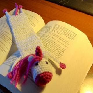 https://www.ravelry.com/patterns/library/unicorn-bookmark
