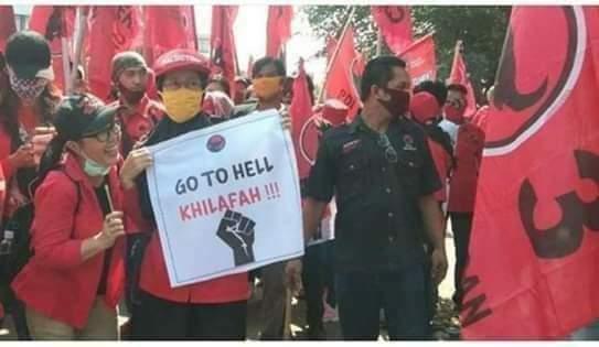 "MEREKA MENISTA ""  GO TO HELL KHILAFAH""."
