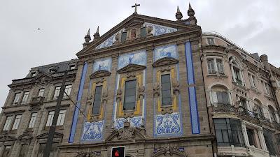 l'azzurro la fa da padrone a Porto
