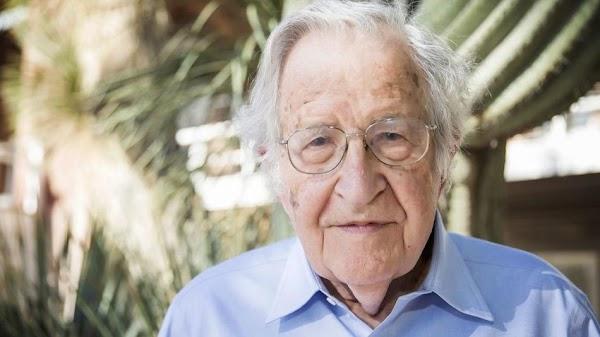 Noam Chomsky : todavía no se puede insinuar que haya otras opciones aparte del capitalismo