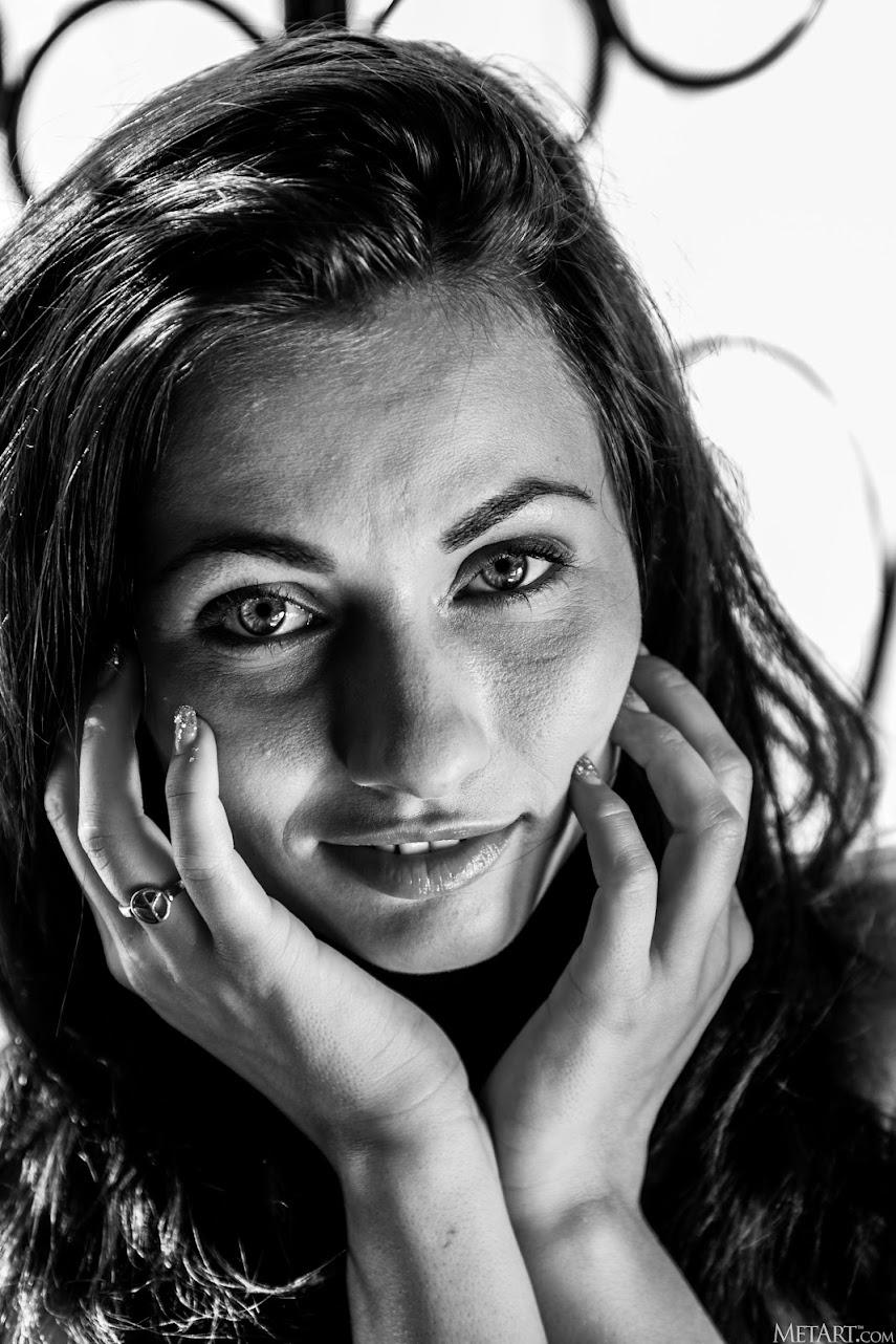 [Met-Art] Michaela Isizzu - Classic Fav