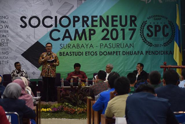 Hasto Wardoyo dan Emil Dardak Ajak Ratusan Mahasiswa Indonesia Membangun Daerah Sendiri