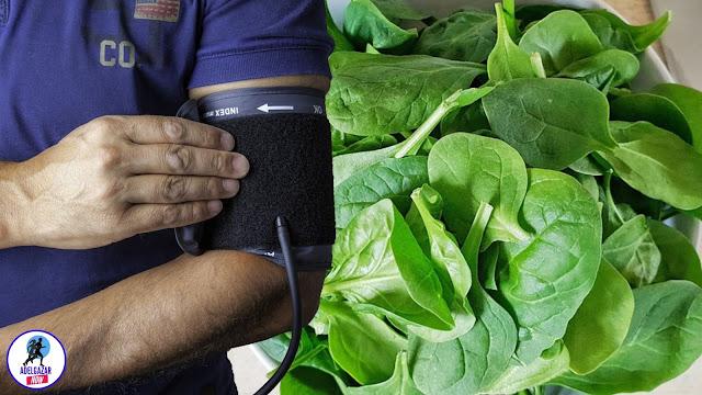 11 Beneficios que Obtienes por Comer Espinaca Cruda, Cocida o en Batidos