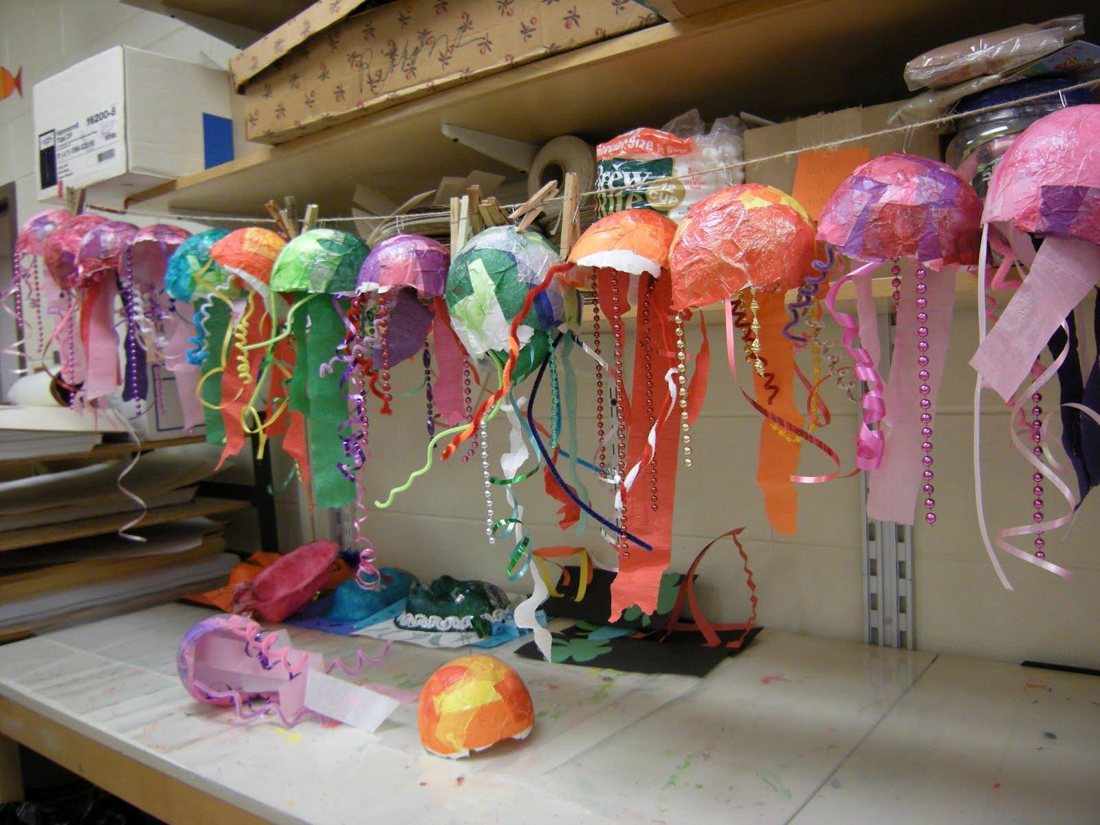 artolazzi papier mache jelly fish. Black Bedroom Furniture Sets. Home Design Ideas