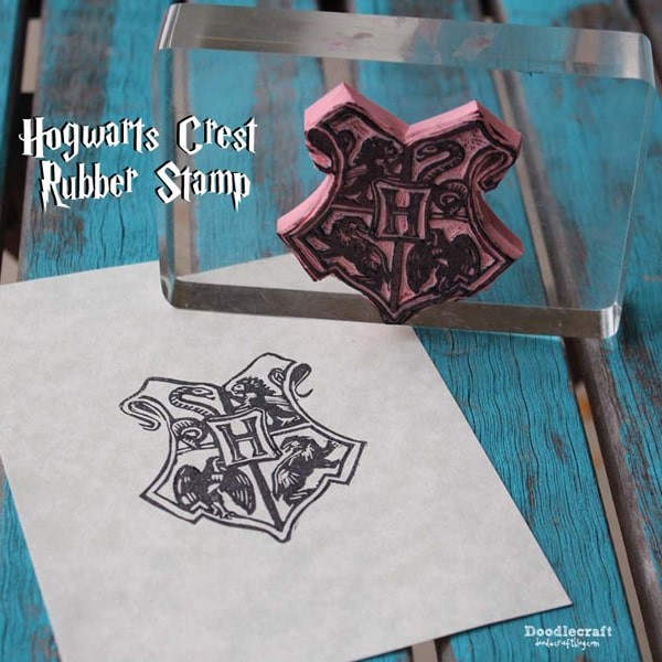 Carve the Harry Potter Hogwarts crest in rubber for the perfect rubber stamp.