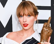 Taylor Swift Agent Contact, Booking Agent, Manager Contact, Booking Agency, Publicist Phone Number, Management Contact Info
