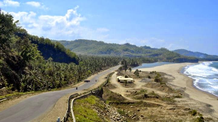 Info wisata pantai Soge Pacitan, Jawa Timur.