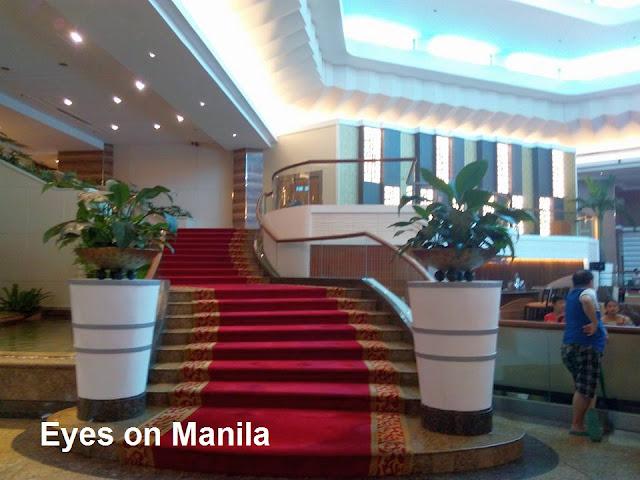 Century Park Hotel Manila: Stairs