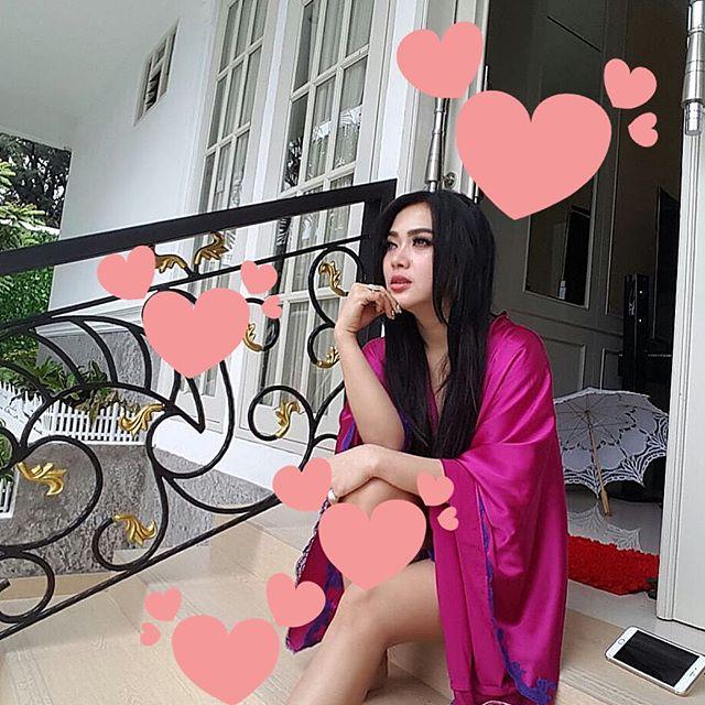 Foto Hot Syahrini Terbaru