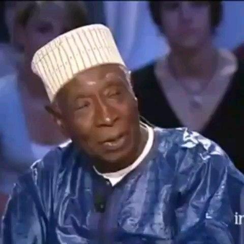 Boubacar Joseph Ndiaye, un patrimoine immortel : Culture, histoire, personnage, Gorée, maison, esclave, Boubacar, Joseph, Ndiaye, conteur, concervateur, mémoire, noir, trésor, patrimoine, LEUKSENEGAL, Dakar, Sénégal, Afrique