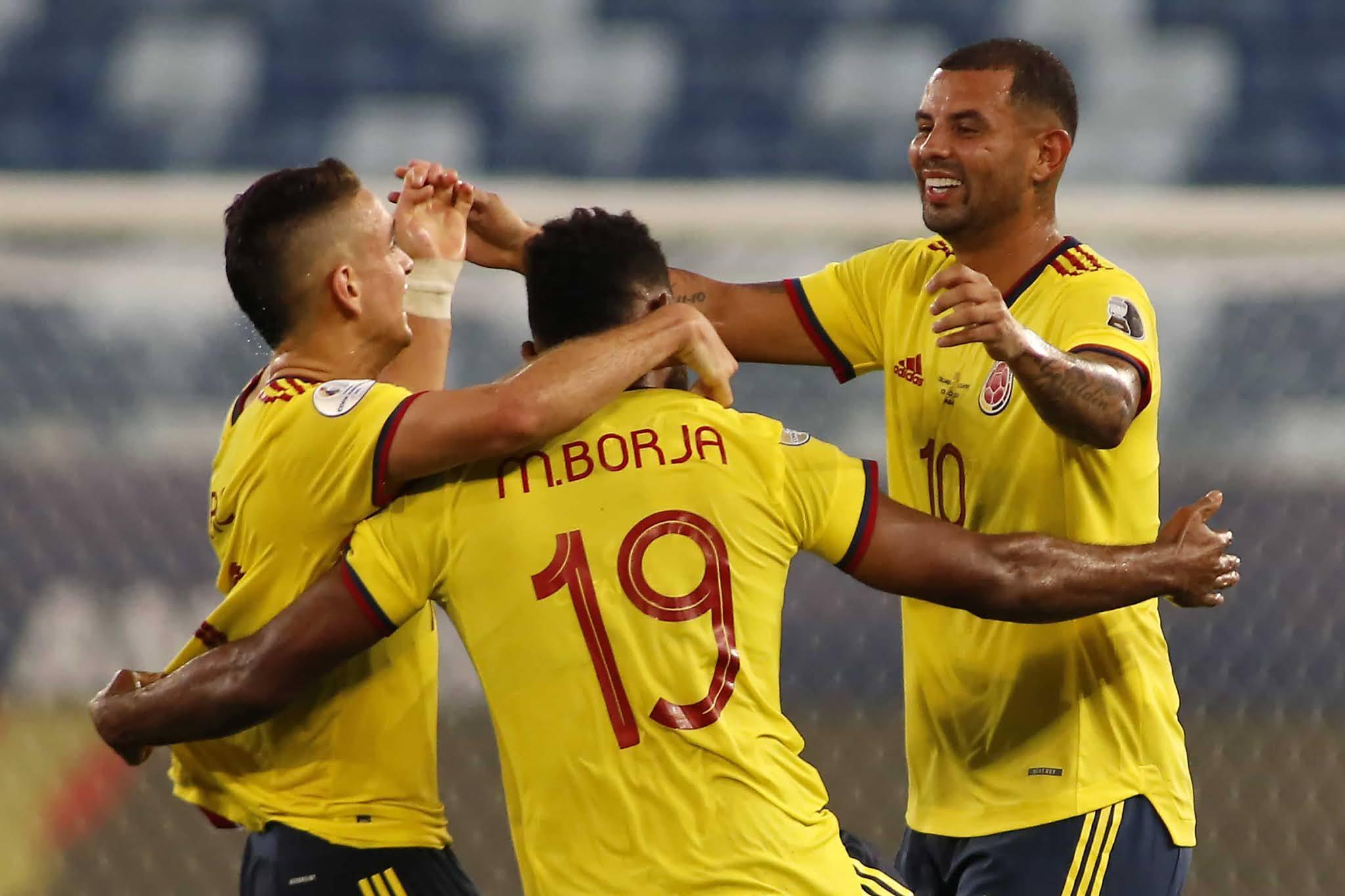 Colombia festejó ante Ecuador con un golazo de Cardona